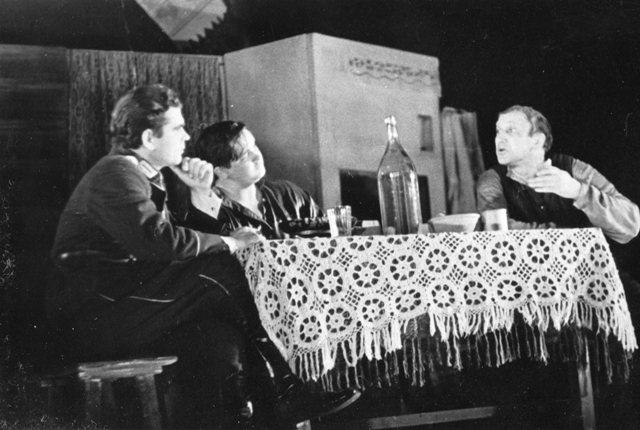 """1973 г. Спектакль """"Трибунал"""" сцене """"В хате старосты""""."""